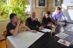 Praca w grupach podczas treningu kompetencji zawodowych